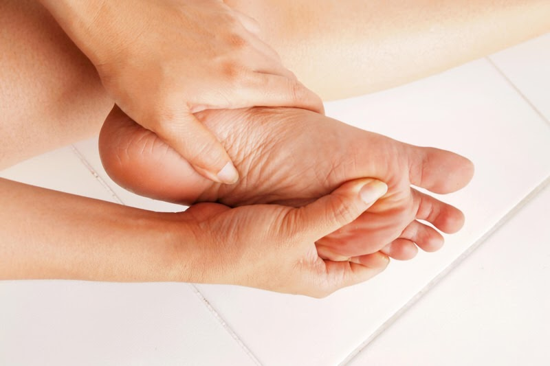 featured image - Symptoms of Diabetic Foot Ulcers and Why You Should Not Ignore Them